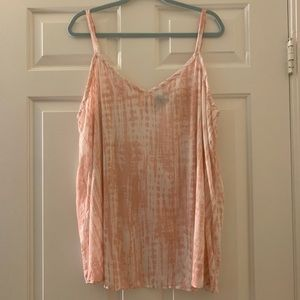 NWOT TORRID tank top in pink and white